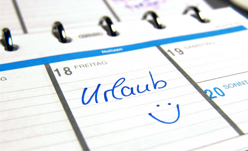 Kalender, in dem ein Tag Urlaub eingetragen ist